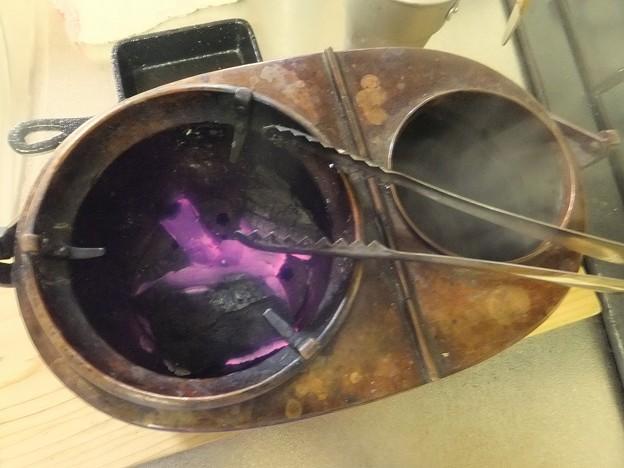 燗銅壺と炭