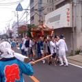 写真: 神輿お渡り中(7月20日、市場町内会)