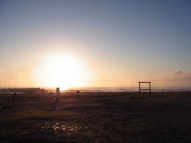 Photos: 朝の海辺