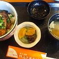 豚みそ丼 ハーフ650円。