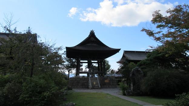 善光寺(長野市元善町)鐘楼