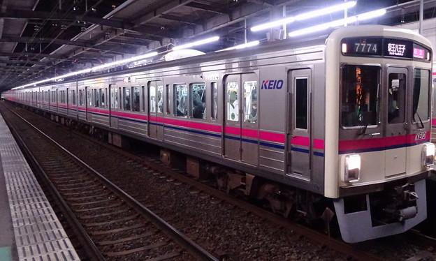 京王線系統7000系(第35回ジャパンカップの帰り)