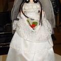 ウェディングドレス(ジェニーファッションコレクション)姿のREINA