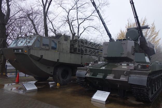 陸自  87式自走高射機関砲 94式水際地雷敷設装置