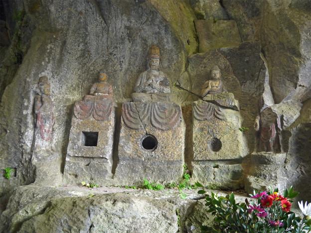 写真: 臼杵石仏 ホキ石仏第一群(6)第三龕