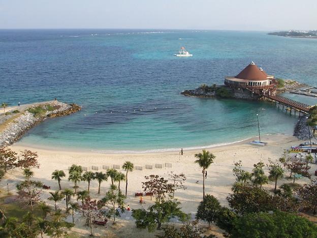 沖縄リゾートホテルからの眺め