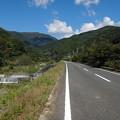 Photos: 誰もいない山道