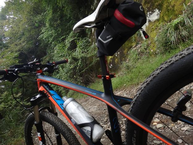 KTMaeraで林道サイクリング