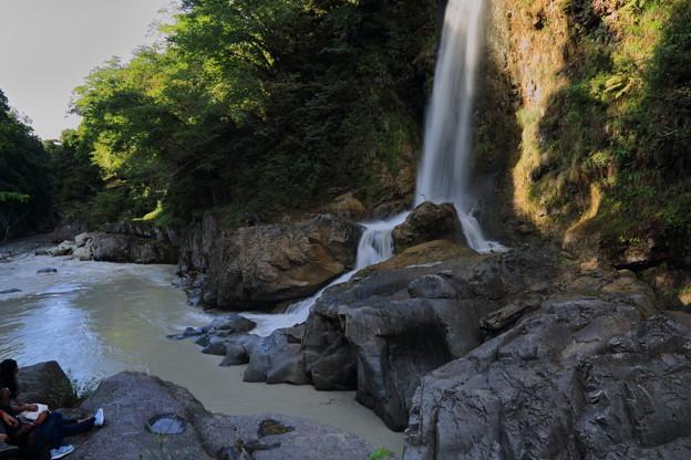 手取峡谷の滝