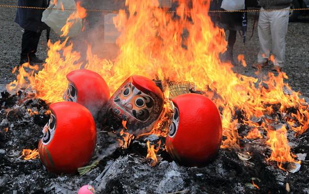 尾山神社 左義長 「火だるま」