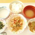 写真: 2月19日昼食(焼肉炒め) #病院食