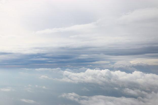 雲だらけの下界