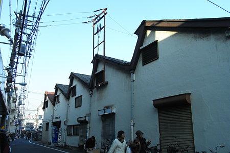 谷中の段々屋根 (1)