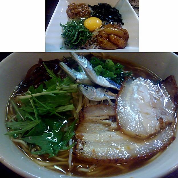 写真: 【今日の夜飯】岡山市北区京町の、麺屋 とり姫 ままかり煮干しラーメン(?うろ覚え)と、とり姫丼。 無化調、無添加物に拘る店主の最新作。 ここの店主は研究家でとてもチャレンジャーだ!w