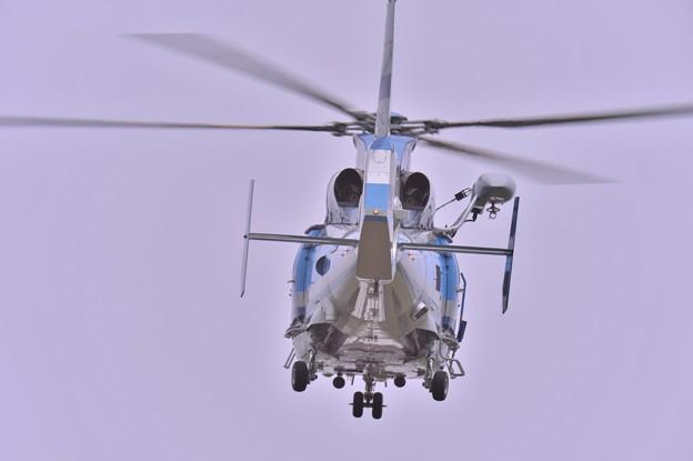 静岡県機ヘリ ふじ2号・・ユーロコプタードーファン 頭上を通過して