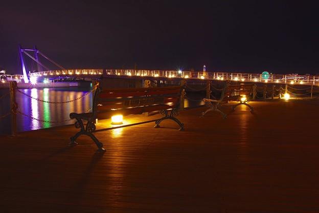 Photos: 静寂な夜の門司港  ブルーウィングもじの橋。。20151121