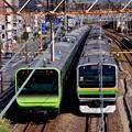 この風景も最初で最後の。。東神奈川付近通過 山手線新型車両235系