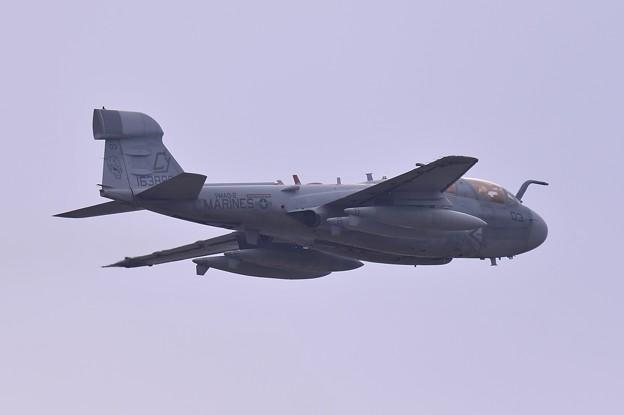 ある日の厚木基地・・岩国から飛来したVMAQ-2 CY03 デスジェスターズ EA-6Bプラウラー テイクオフ2・・20150321