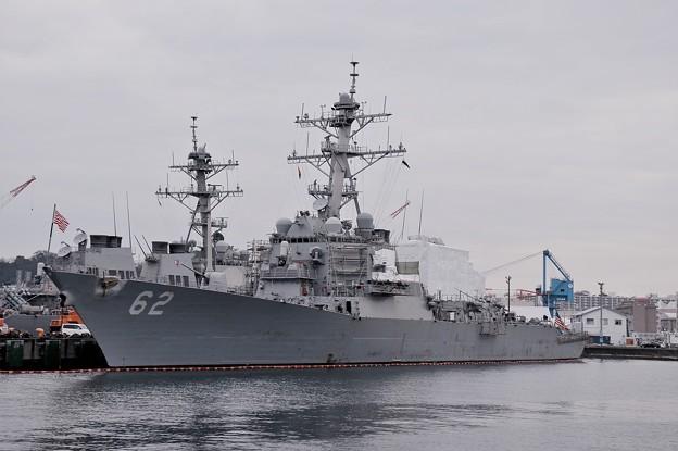 軍港めぐり遊覧船に乗って。。米海軍ミサイル駆逐艦フィッツジェラルド メンテナンス中。。横須賀基地 20160131