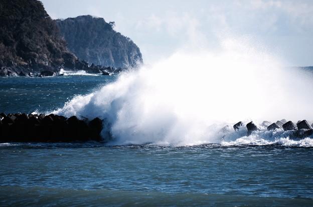 大荒れの伊豆河津町の海。。大波。。20160221