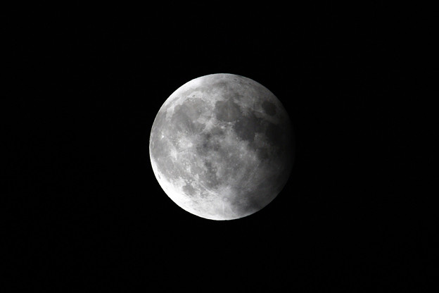 Photos: 10月8日 皆既月食の終わる頃