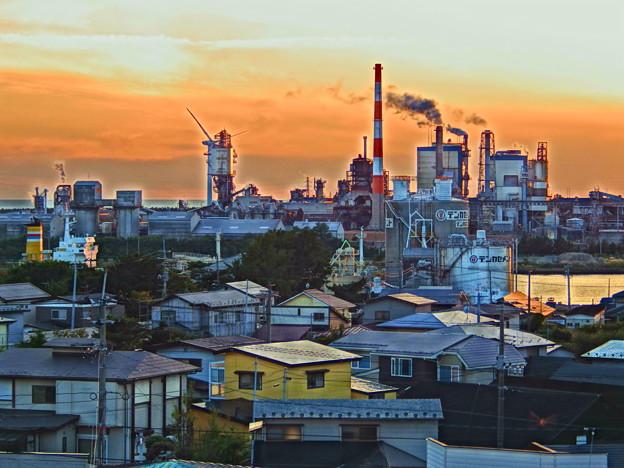 秋田運河と製紙工場~HDR