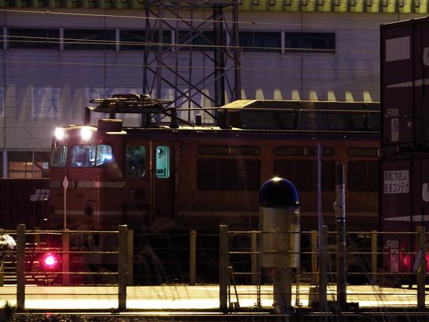 秋田貨物駅待機中のEF81-726牽引2090レ vol.1