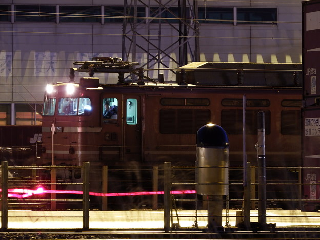 秋田貨物駅待機中のEF81-726牽引2090レ vol.2