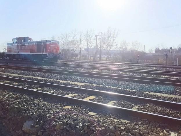 逆光の秋田港駅