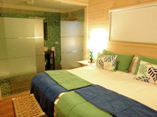 【 Hotel La Cantera 】ガラス張りの寝室