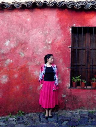 ピンク色の壁