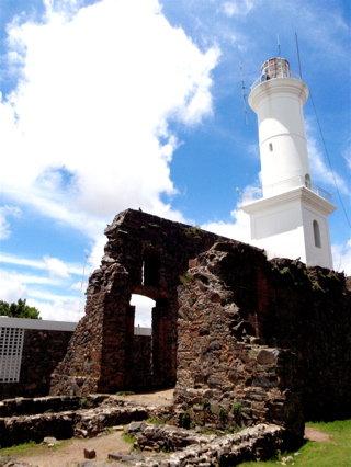 遺跡と灯台