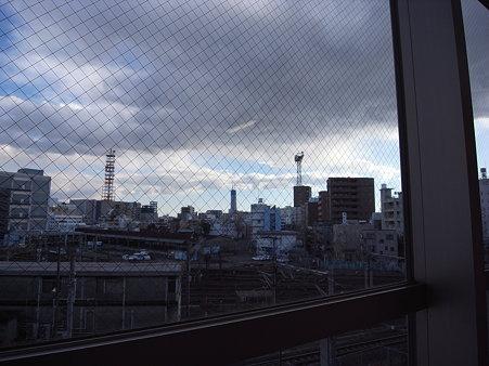 東京メトロ・南千住駅から見た東京スカイツリー(2009/12)