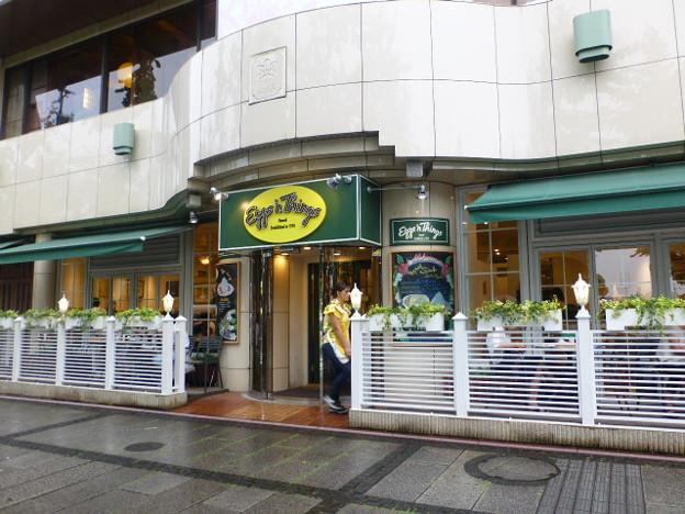行列のエッグスンシングス横浜山下公園店