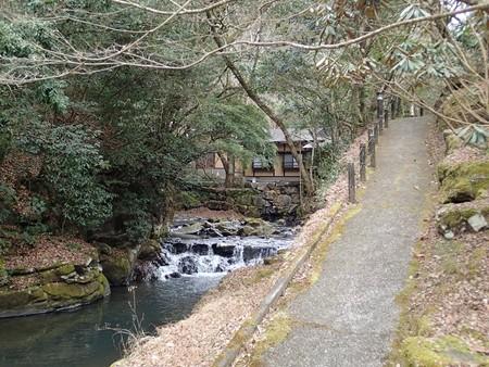 28 2 熊本 七滝温泉 お宿華坊 1