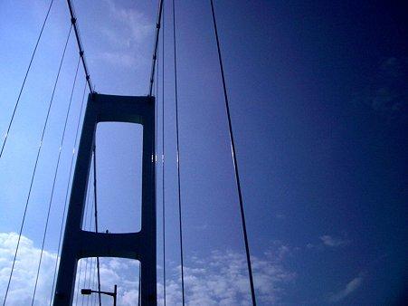 安芸灘大橋上
