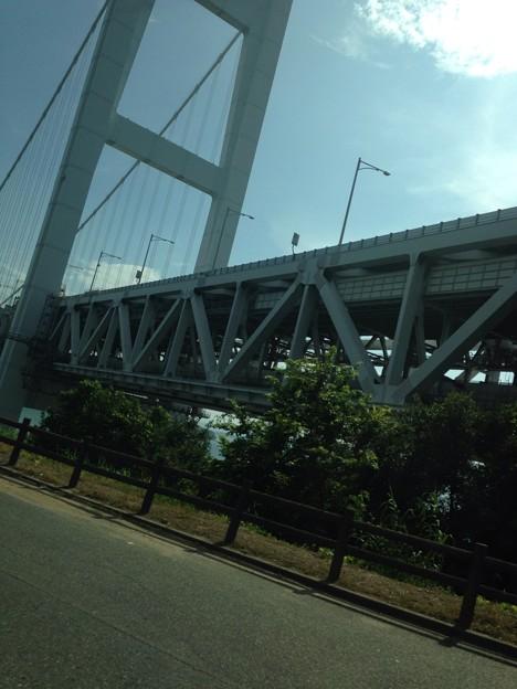 写真: 瀬戸大橋間近
