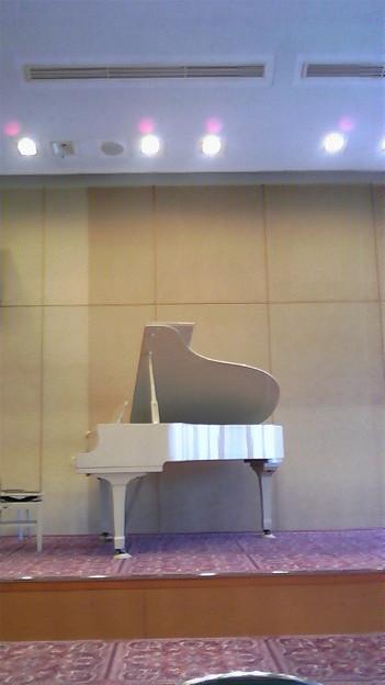 写真: 上の子のピアノ演奏なう