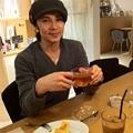 Photos: 老作家アレキサンダー役を怪...
