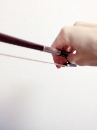 中野・江古田 バイオリン 個人レッスン ヴィオラ 吉瀬弥恵子 ワイズ音楽教室 弓先の右手の形