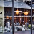 写真: 三条通りのカフェ